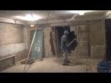 Ребёнок подземелья расширяет дверной проём